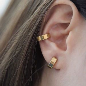 2 Pcs No Piercing Gold Plated Mini Hoop Ear Cuffs